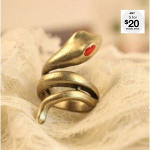 Jewelry - Twisted Snake Ring ~ Gold